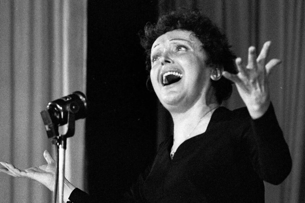 Edith Piaf, English lyrics and French translation of La Vie en Rose