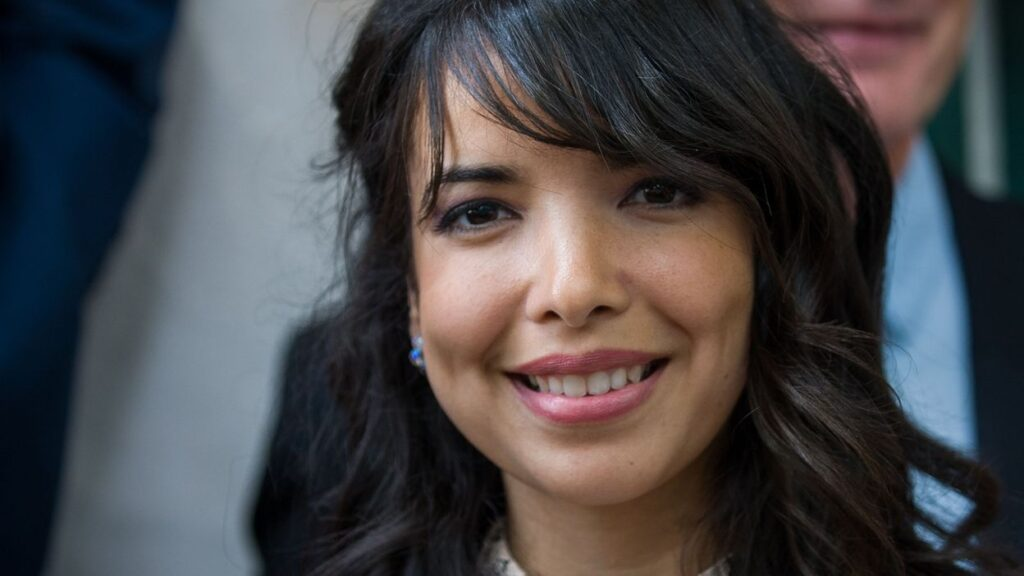 French lyrics and English translation of Dernière Danse by Indila